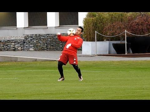 Thiago Alcantara - awesome skills | dribbling | shots | ball reception | FC Bayern Munich