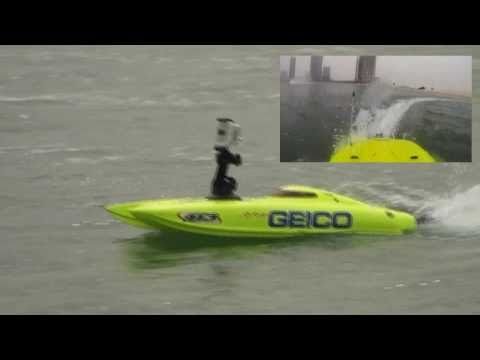 RC boat Miss Geico ProBoat with onboard camera GoPro