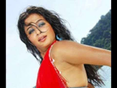 Priyamani OUT Iniya IN in Bharathiraja's movie