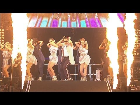 PSY - RIGHT NOW @ Seoul Plaza Live Concert Music Videos
