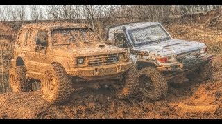 RC Toyota LC70 (killerbody) & Mitsubishi Pajero II in first mud
