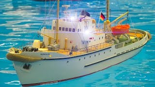 RC SCALE MODEL SHIP AND RC SAILING BOAT POOL ACTION!! / Fair Erfurt Germany 2017