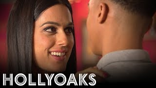 Hollyoaks: Neeta & Hunter Get Close In The Bar