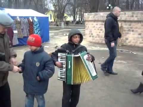 Цыганские детки поют