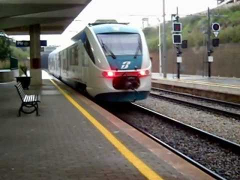 Treni sotto la grandine a Piraineto!!!.wmv