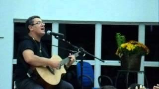 Nani Azevedo cantando na PIB cuiaba MT