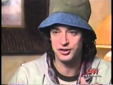 Entrevista a Gustavo Cerati en CNN en Español 1999