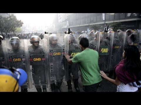 Venezuela hit by deadly protests over economic crisis