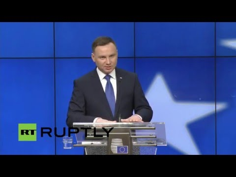 LIVE: Polish president meets EU executives after debate on new media law