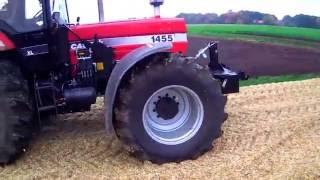 Case IH 1455xl Traktor im Einsatz bei der Maisernte 2015 festgefahren
