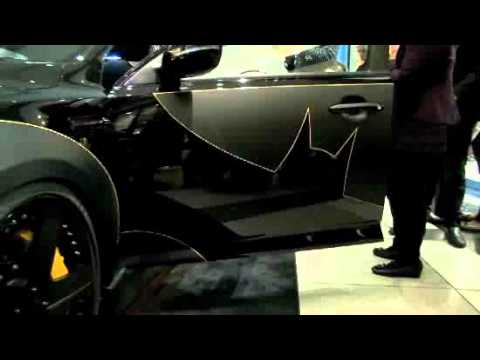 JIM LEE Shows Off the Kia Optima BATMOBILE