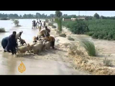 Dozens killed in Pakistan floods