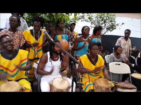 Fume Fume - Drumming & Dancing in Accra, Ghana