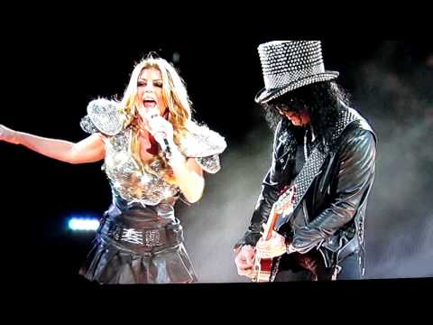 Fergie Ruins Sweet Child O' Mine @ Super Bowl XLV Halftime Show.