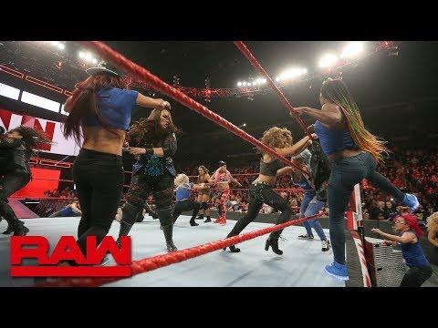 Becky Lynch leads a SmackDown Women's invasion: Raw, Nov. 12, 2018 thumbnail