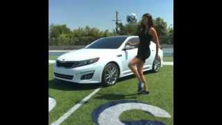 Adriana Lima Top sektiriyor - Adriana Lima the bouncing the ball (Pretty Footballer)