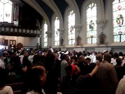 Leo Catholic High School L-E-O Chant at 2008 Graduation