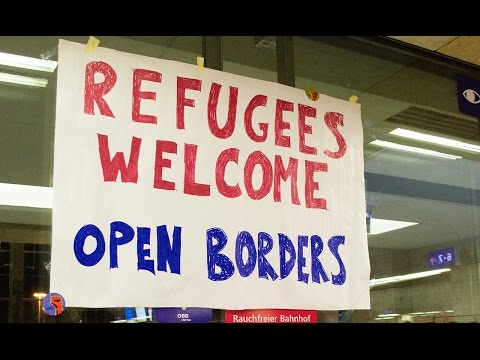 Refugees welcome - Austria lets thousands pass from Hungary to Germany