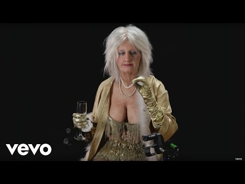 "Goldie The Dancer: The Unseen Footage From Katy Perry's ""Birthday"" Music Video"