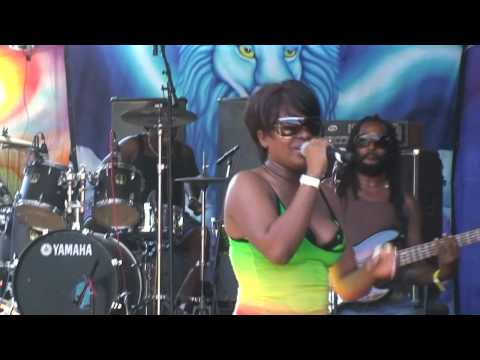 Tanya Stephens 'Can't breathe' Reggae on the River 2009 Video
