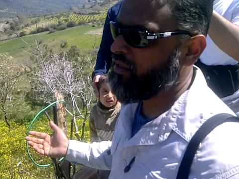 Moazzam Begg speaks to syrian victim in the Village of Guvecci - Youth of the ummah