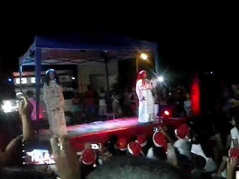 Vídeo natalino de natal na escola Maria de ludes do bexe dourado thumbnail