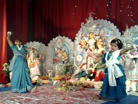Hridoy Amar Nache Re - Durga Puja 2009 (Children's Dance)