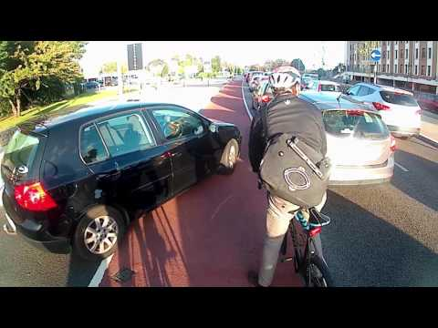 09-D-15746 - Blocking and driving in a cycle lane (+ bonus pull-out)