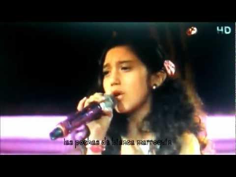 Bianca Marroquín y Kenia Feria cantando Perfidia