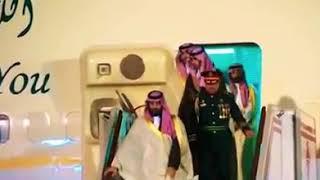 أستاذ چزائري جزاه اللَّه خيرا يقصف بالثقيل رأس الإخوان في الجزائر عبدالرزاق مقري عامله اللَّه بعدله