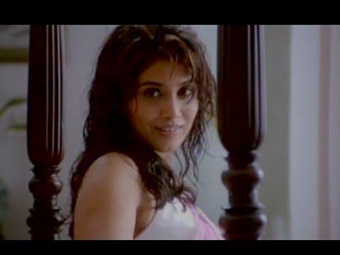 Shower Scene - Sonali Kulkarni Bharat Jadhav Romantic Scene -...