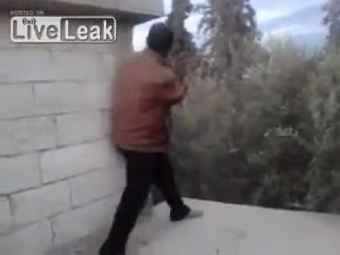(GRAPHIC) FSA Rebel Killed By SAA Sniper