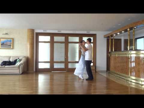 Шикарный простой первый танец молодых. Юлия и Слава