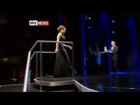 Victoria Beckham wins British Fashion Award 2011
