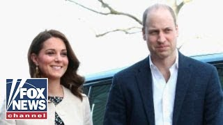 Kate Middleton delivers a baby boy