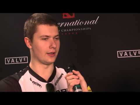 Puppey on Na´Vi´s fountain hook strat - The International 2013