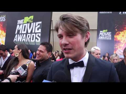 Taylor Hanson Talks New Music at 2013 MTV Movie Awards