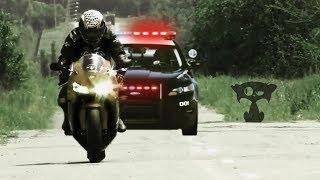 UNDERGROUND SPORT RACERS VS COPS  2018 POLICE FAILS VS MOTO