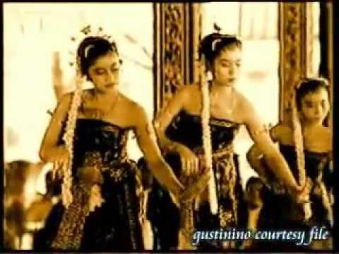 Bedhaya Ketawang Dance - http://helloasia.travel