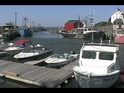 Fall and rise of the tide in the Bay of Fundy at Hall's Harbour, Nova Scotia - Time Lapse