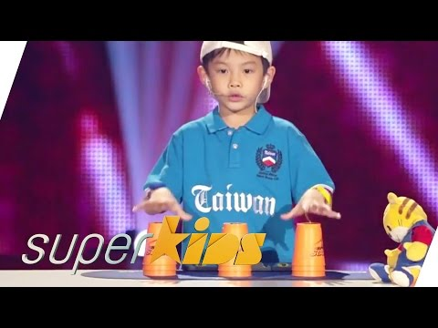 Cute Taiwanese Kid Stacking | Superkids