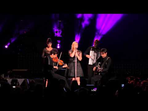 Kelly Clarkson - Dont You Wanna Stay