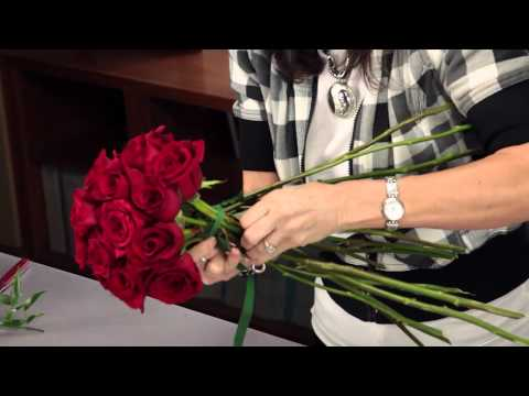 Diana Ryan - How to Arrange A Rose Bridal Bouquet