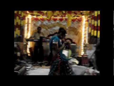 Mujhe Saajan Ke Ghar Jaana Hai Indian Dance video