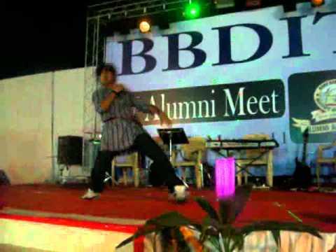 dance steps on ....pag ghungru baandh meera nachegi..alumini...