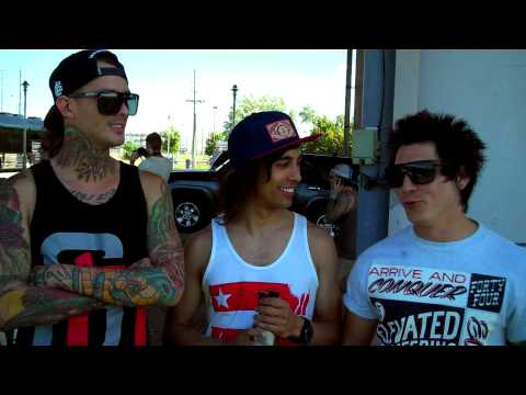 Pierce The Veil -OQM9Ho6kmiM