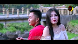 Download Lagu Zaky Mahkota feat. Kharisma Moza - Cintaku Satu [OFFICIAL] Gratis STAFABAND