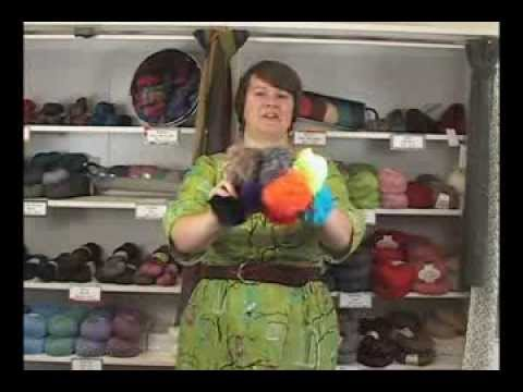 Universal Yarns Luxury Fur Pom-pom Accessories Review video