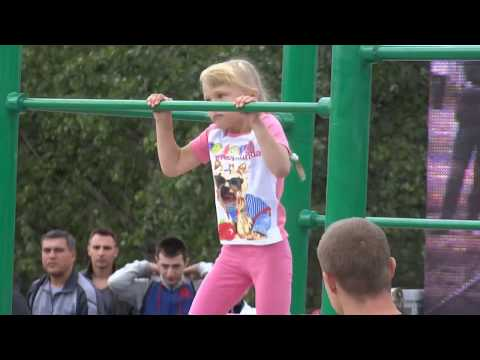 6 years old Workout Girl | Девочка 6 лет занимается воркаутом с отцом - Настя Холод