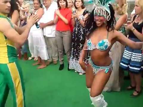 Зажигательные бразильские танцы / a fiery Brazilian dances